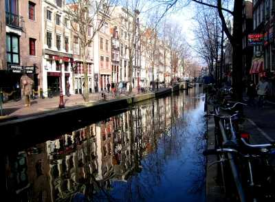 Amsterdam canal, Oudezijds Achterburgwal