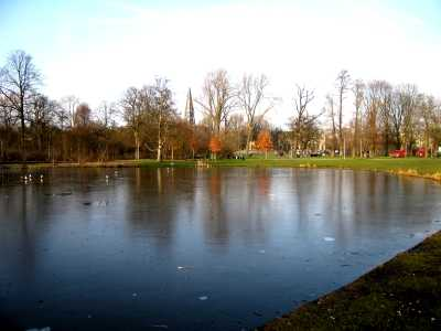 Frozen lake in Vondelpark