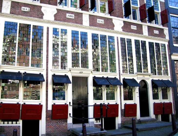 Windows and shutters, De Drie Hendricken, Bloemgracht