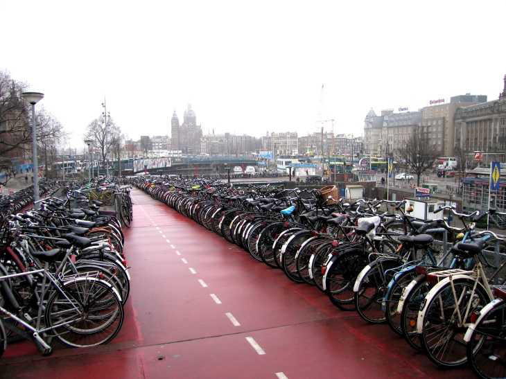 Amsterdam Centraal Station, bicycle park