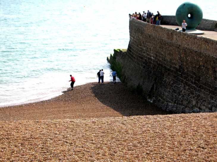 Sea wall and shingle beach, Brighton