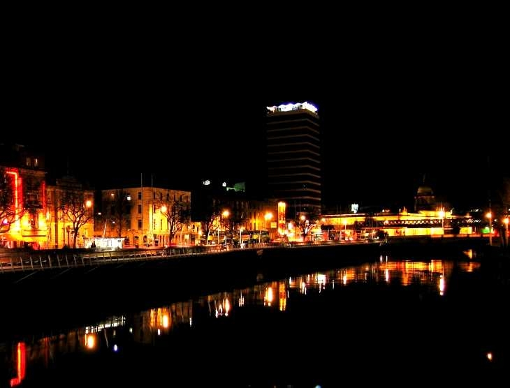 The River Liffey at night, from O'Connell Bridge