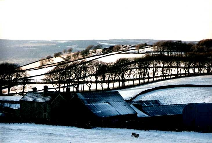Farm on Sir William Hill, The Peak District in snow
