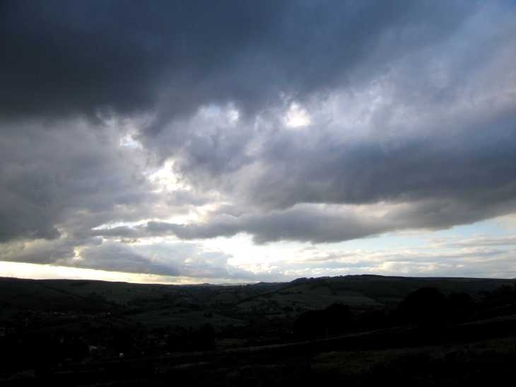 Threatening sky over Baslow Edge