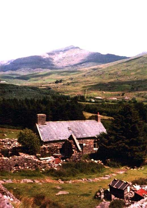 'The Cottage' and Snowdon, North Wales