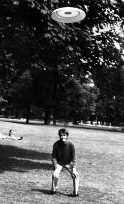 Frisbee in Ravenscourt Park, London