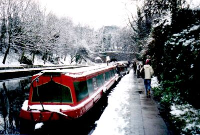 London, Islington in snow, the canal near Angel