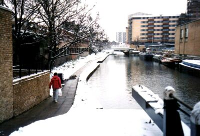 London, Islington in snow, the canal